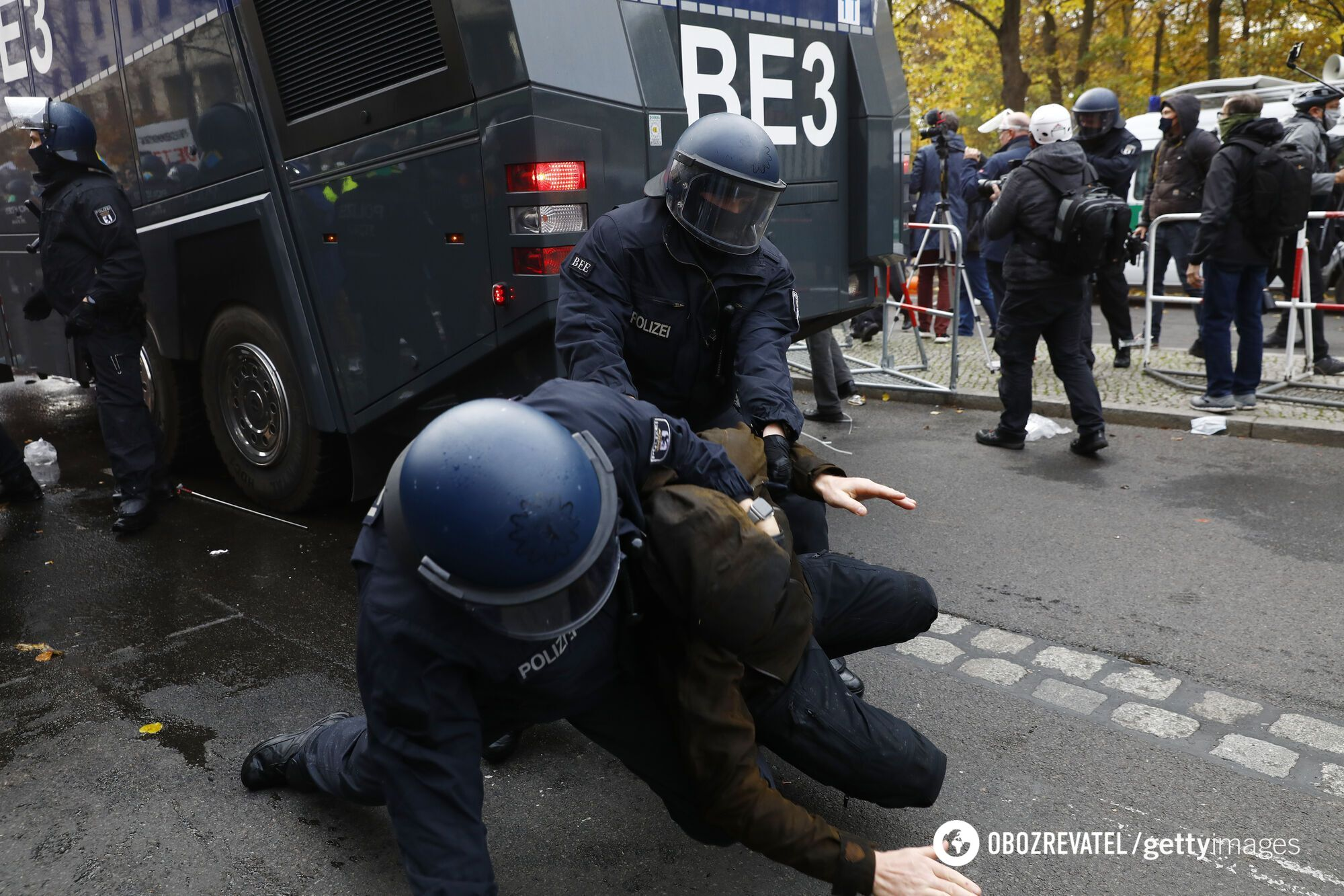 В Берлине задержаны сотни противников карантина.