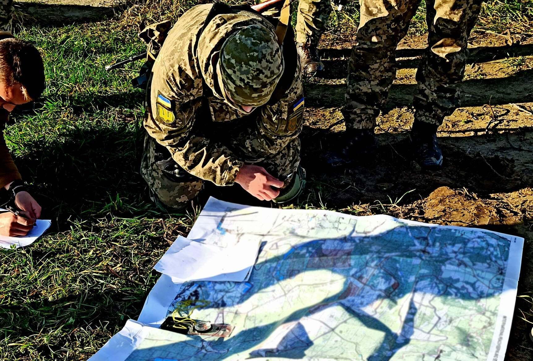 Проведение занятий происходит с использованием системы имитационного моделирования боевых действий типа JCATS