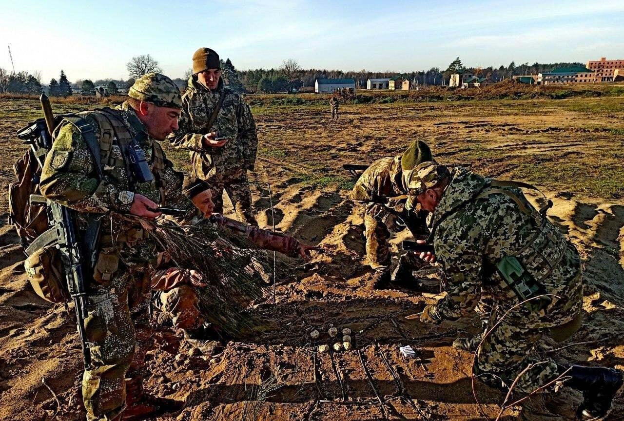 Советники из стран НАТО сотрудничают с военными бригады и информационно поддерживают украинских инструкторов