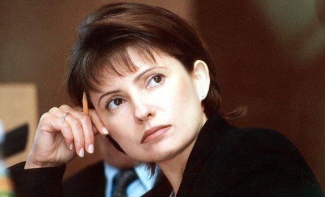 Юлія Тимошенко з короткою стрижкою