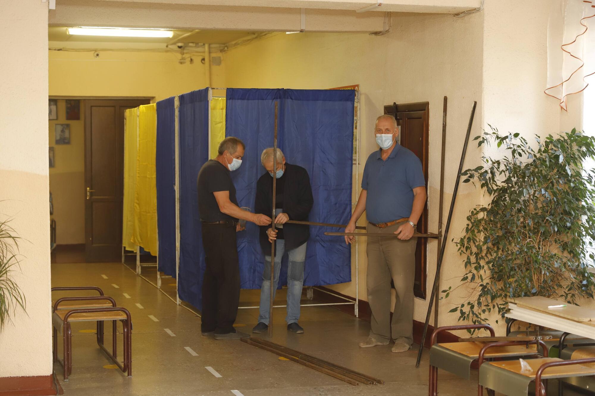 Уже все почти готово и на участке №121181, где по списку 1928 избирателей.