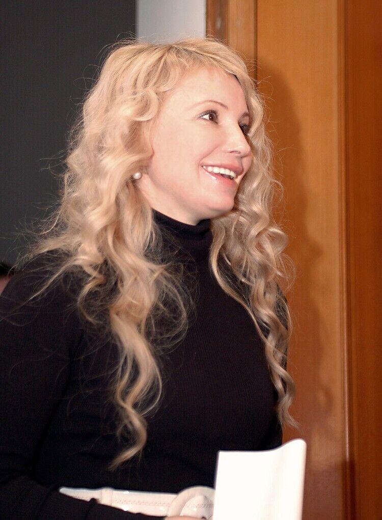 Юлія Тимошенко з розпущеним волоссям у Раді
