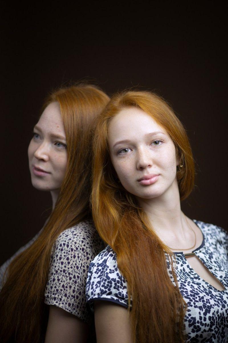 Татьяна и Валерия Коротаевы, 1998 и 1999 годов рождения, Россия