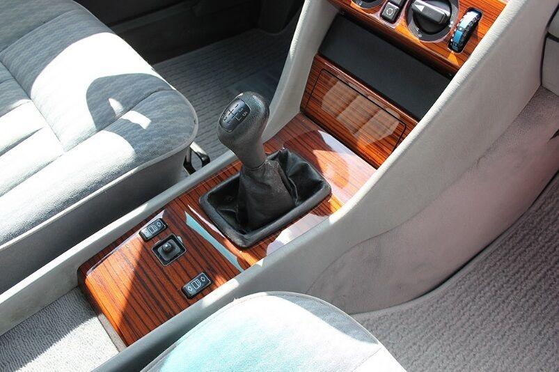 Mercedes W124, который продают за 9 900 евро