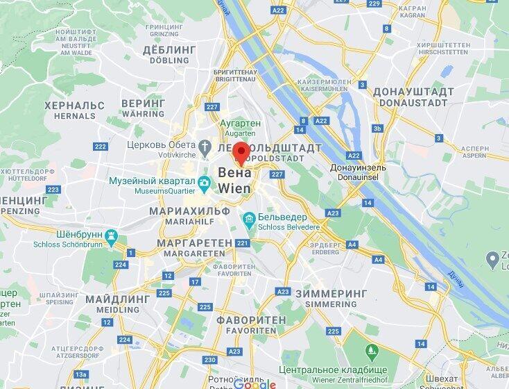 Нападение произошло возле площади Шведенплатц.
