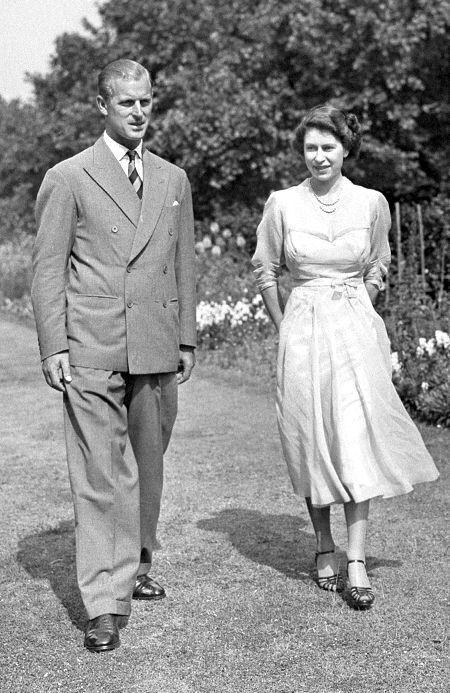 Єлизавета II і Філіп у молодості.