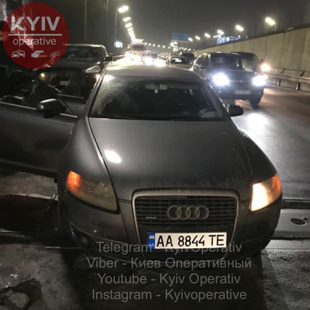 Злоумышленников задержали на Южном мосту Киева.
