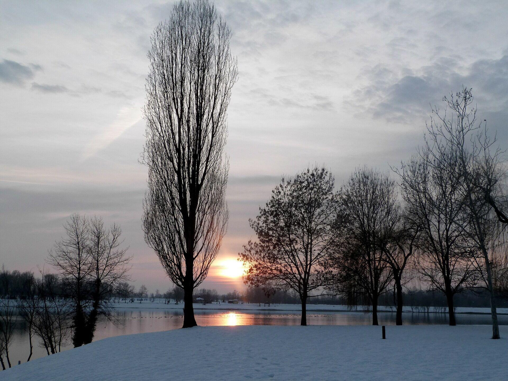 На Михаила снег идет – к снегопаду на Пасху