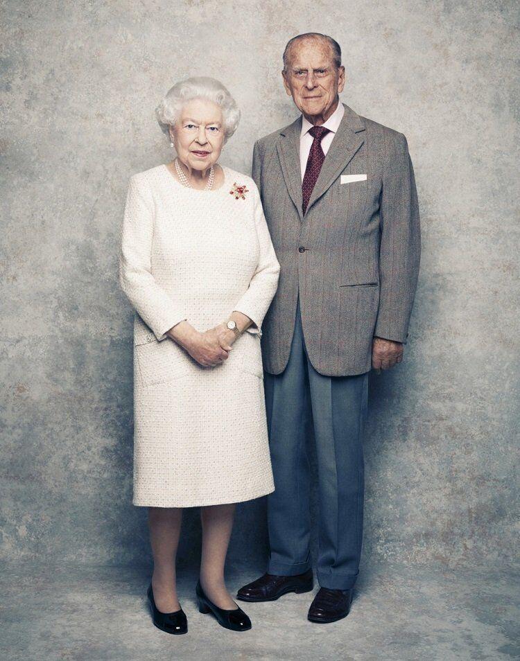 Британська королева відзначає річницю весілля з чоловіком.