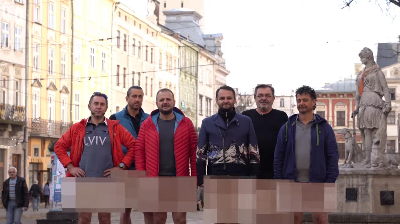 Ресторатори записали відео без штанів