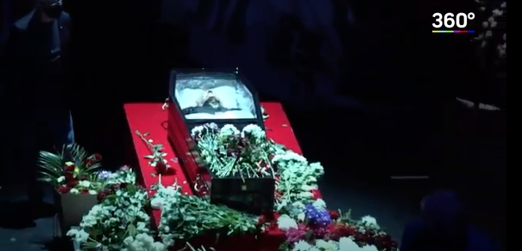Прощание проходит в Театре Виктюка