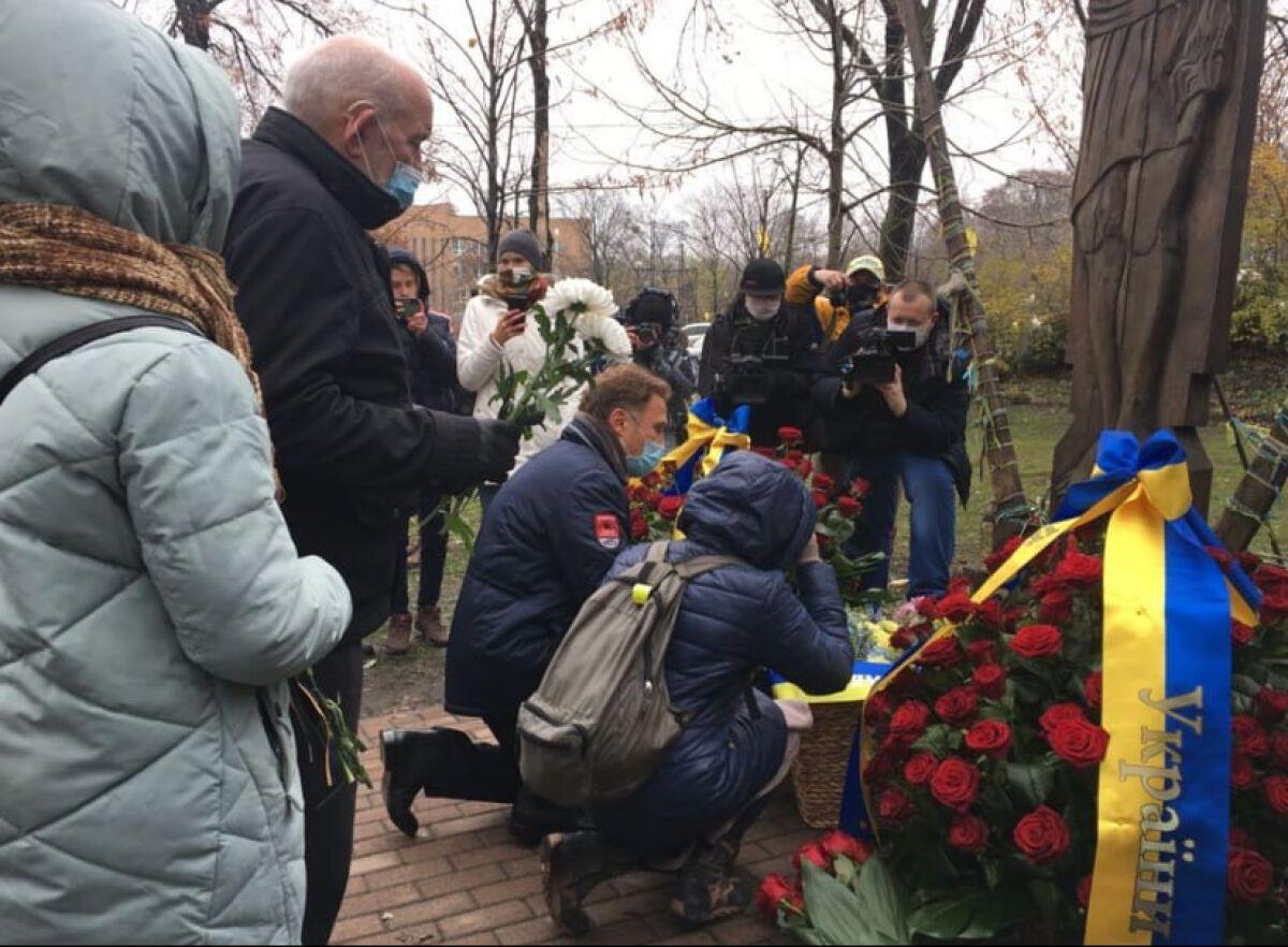 Кияни вшановують пам'ять Героїв Небесної Сотні
