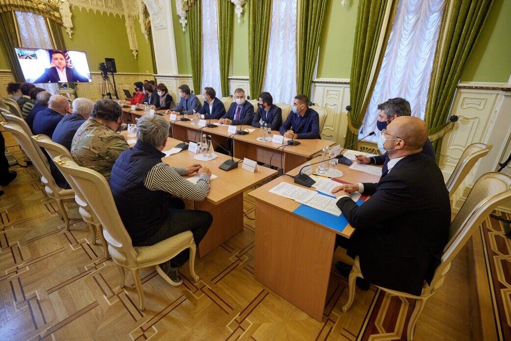 Зеленський вийшов на відеозв'язок з учасниками трьох революцій