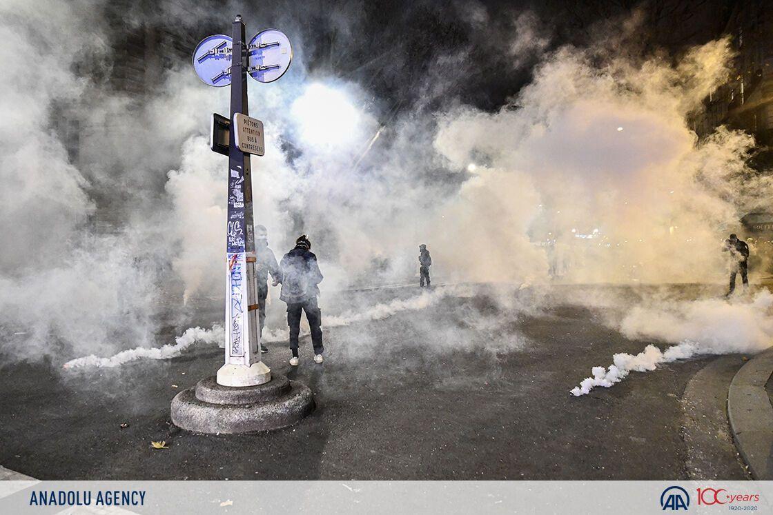 Полиция применила газ