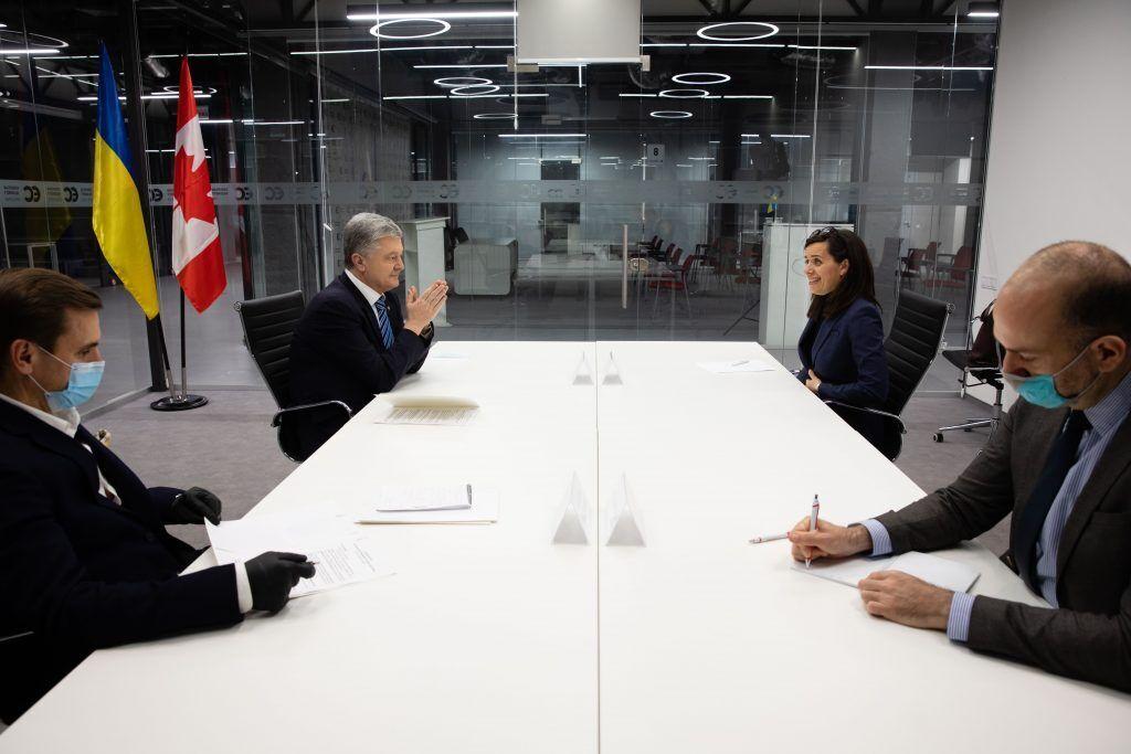 Порошенко встретился с послом Канады в Украине Ларисой Галадза