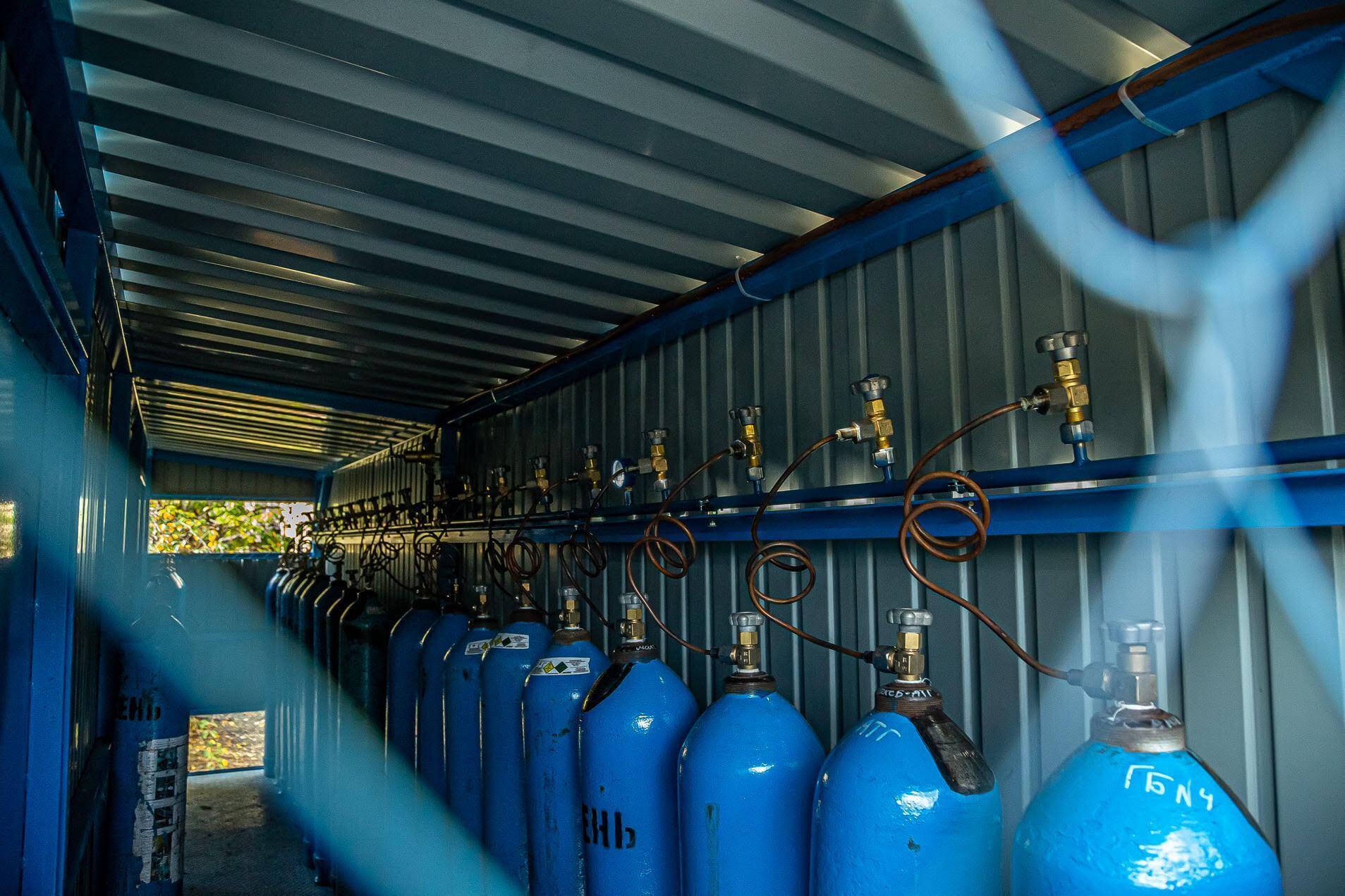 За последнюю неделю металлурги безоплатно передали мариупольским больницам 11,7 тысяч кубометров кислорода