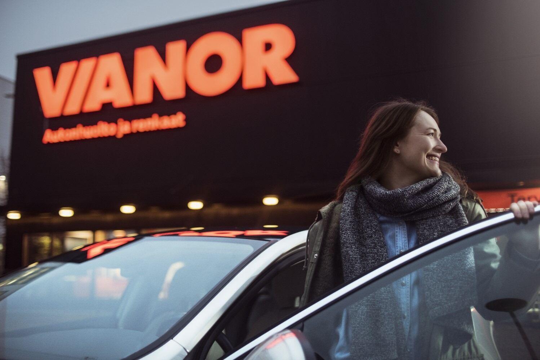 Специалисты шинного центра Vianor возьмут на себя все вопросы, связанные с шиномонтажем и сезонным хранением шин