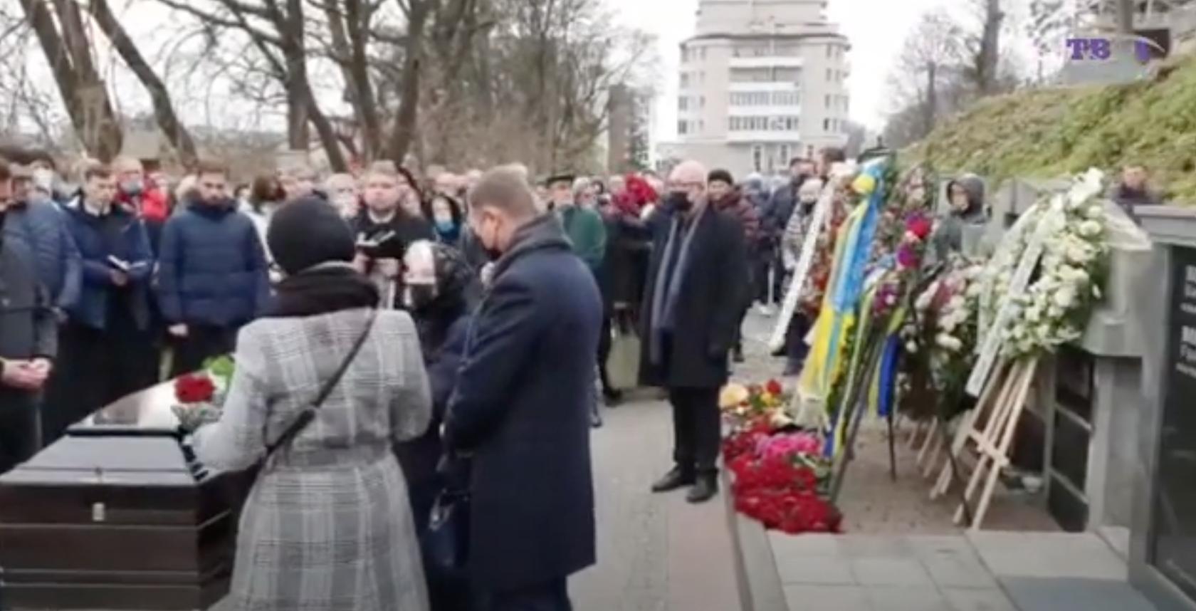Прощание с Виктюком на Лычаковском кладбище