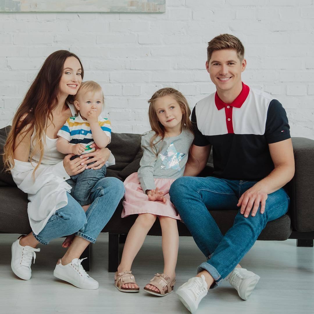 Елена Войченко и Владимир Остапчук с детьми