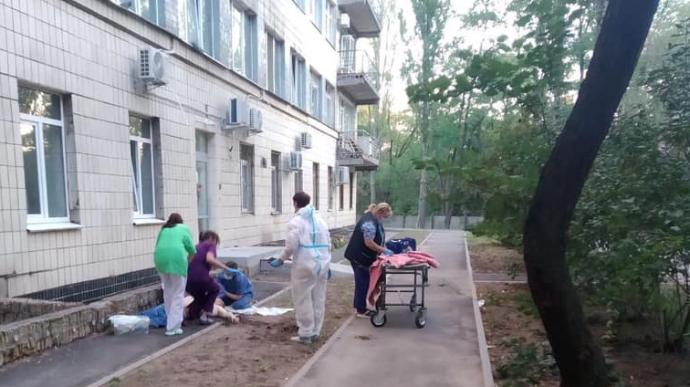 Лікарня №4 в Києві, де сталося самогубство.