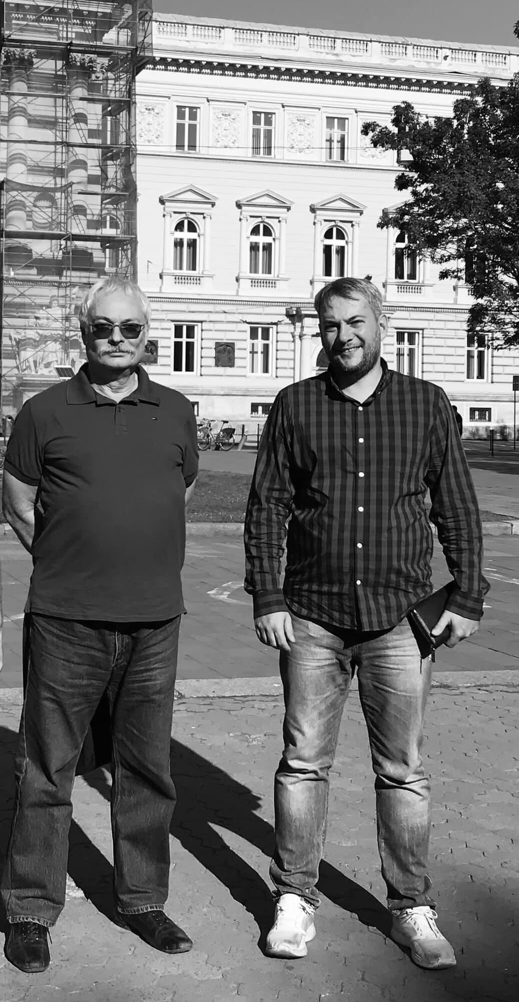 Олег Ременник (слева)