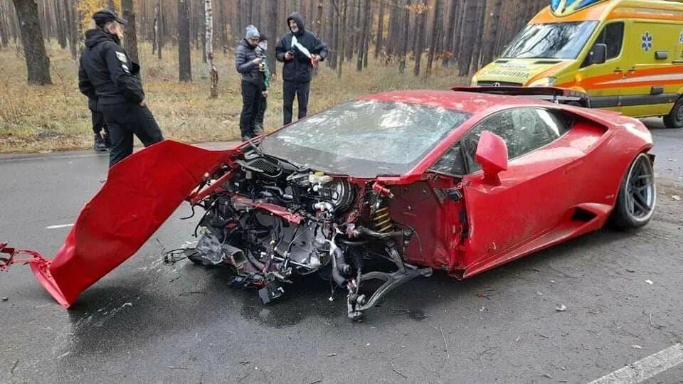 Lamborghini Huracan, который разбили под Киевом.