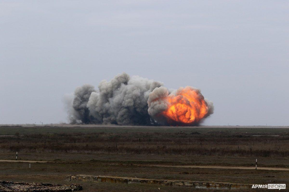 Особое внимание военные уделили комплексному применению высокоточного оружия