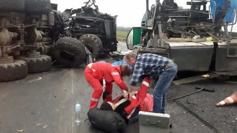 В результате аварии два человека погибли