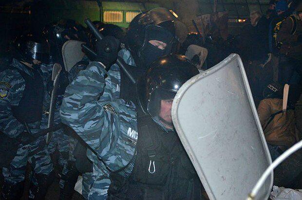 """Ночью 30 ноября """"Беркут"""" силой разогнал Евромайдан"""