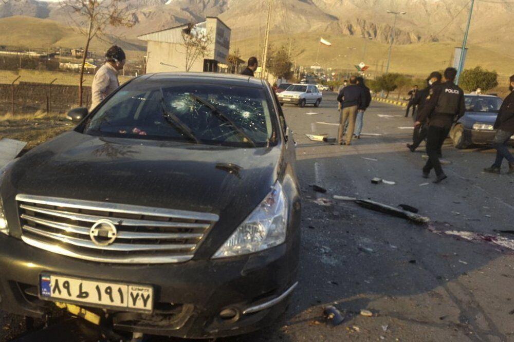 Автомобиль с ученым обстреляли.