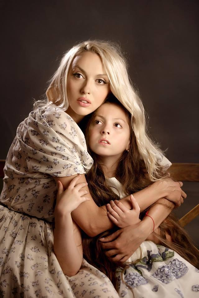 Ольга Полякова з донькою