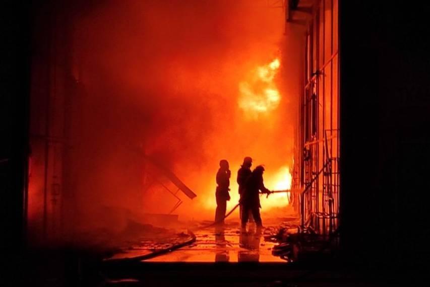 Вогонь вирував на площі 1000 кв.м