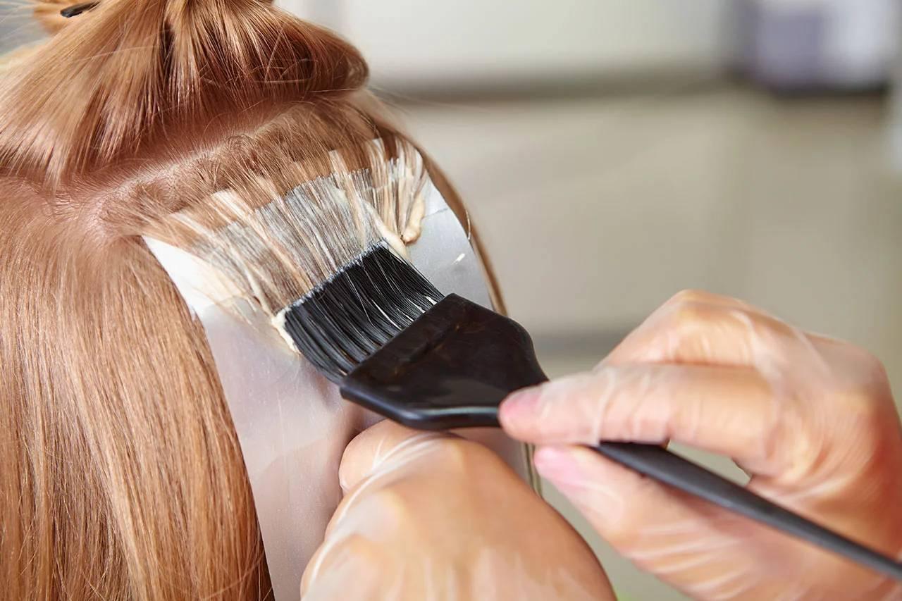 Коли не можна фарбувати волосся в грудні 2020.