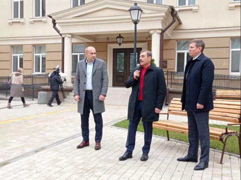 Сергій Шахов (праворуч)