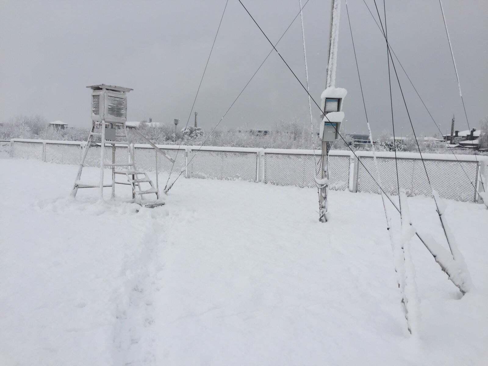 Сарны завалило снегом