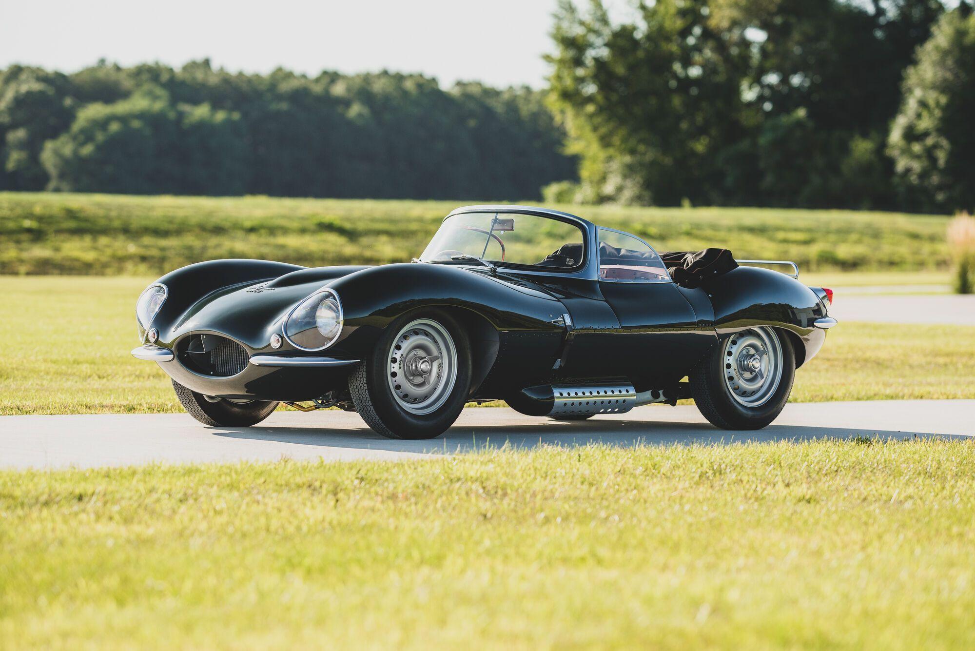 Гоночный 1957 Jaguar XKSS оценили в  $1 985 000