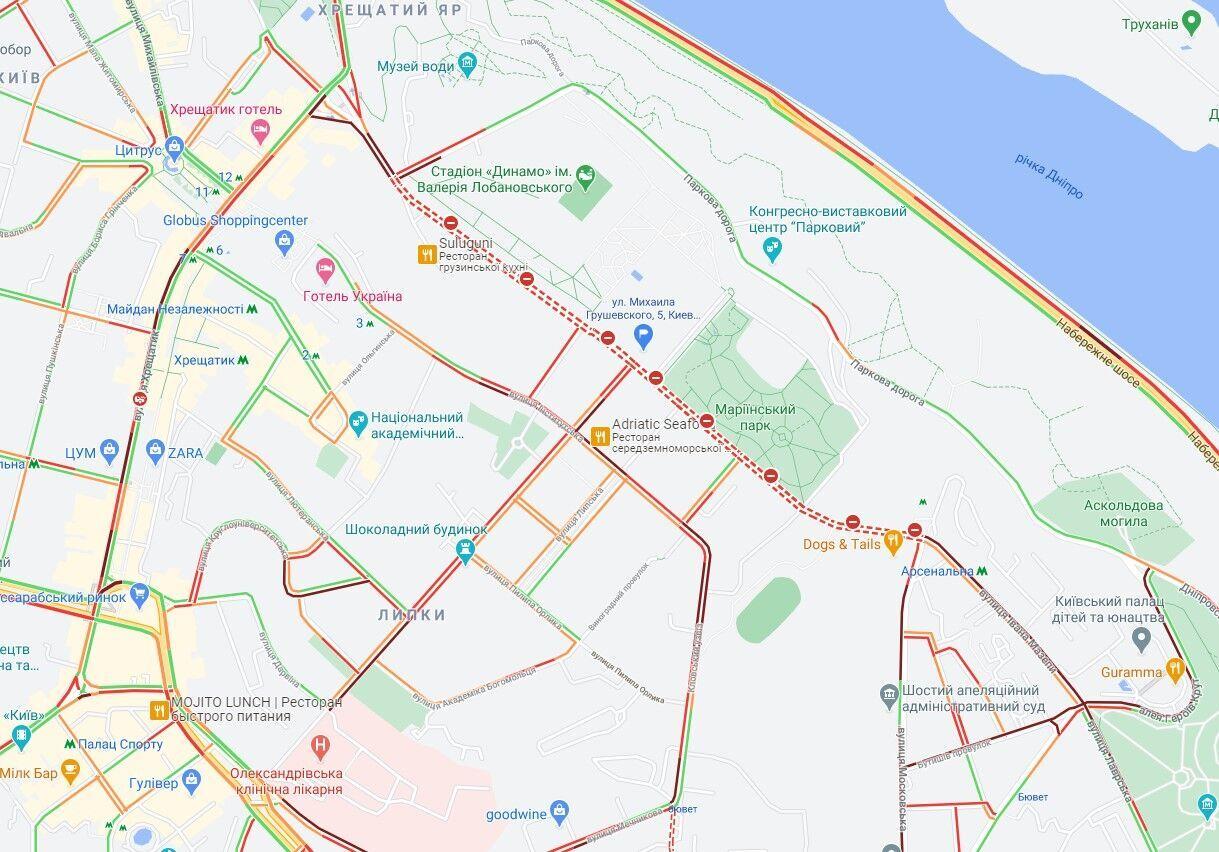 В центре Киева образовались пробки.