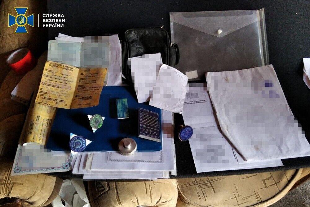 У Молдові для клієнтів робили підроблені дублікати молдавських паспортів