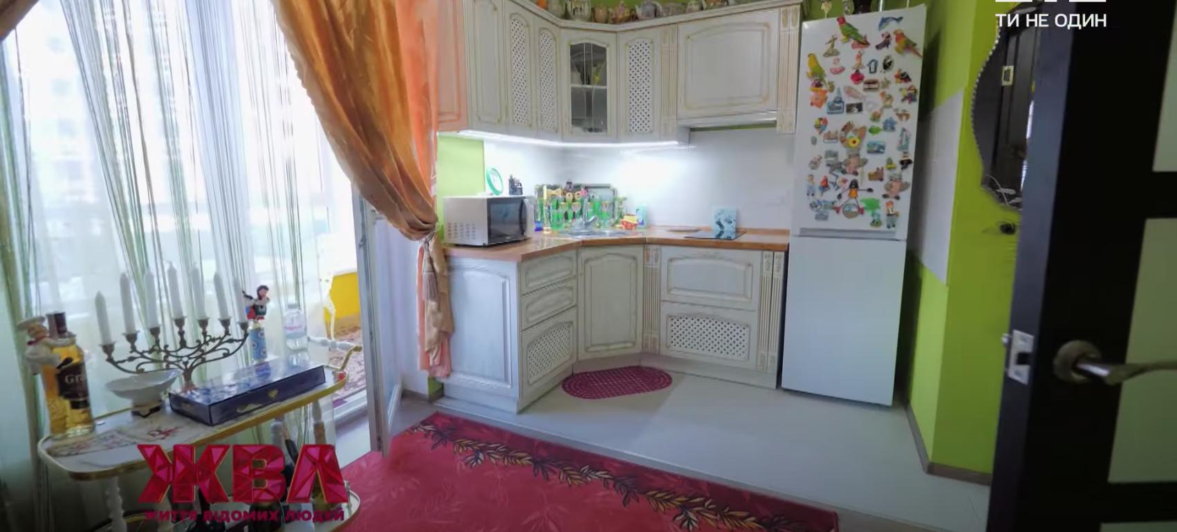 Кухня в квартирі, де мешкає Чапкіс.