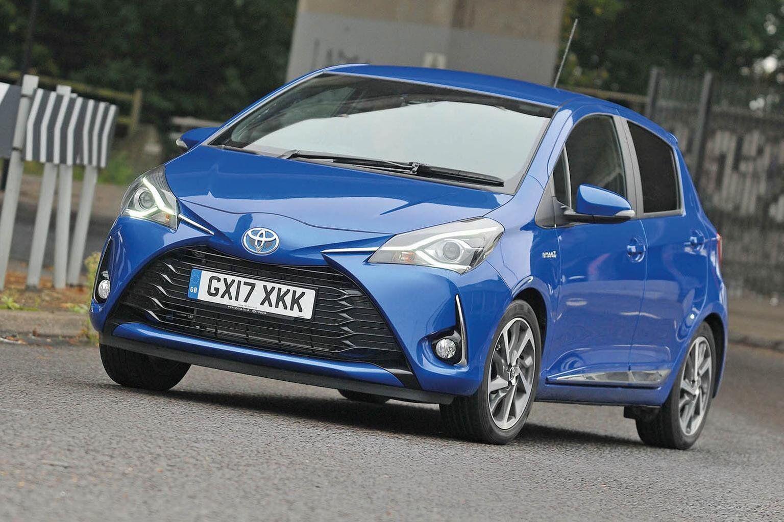 Toyota Yaris - автомобіль, який показав найбільшу надійність серед електрокарів і гібридів