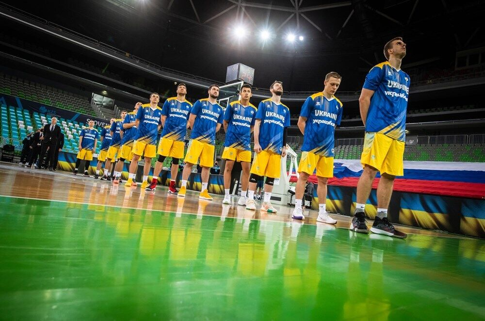 Сборная Украины по баскетболу перед матчем с Австрией.