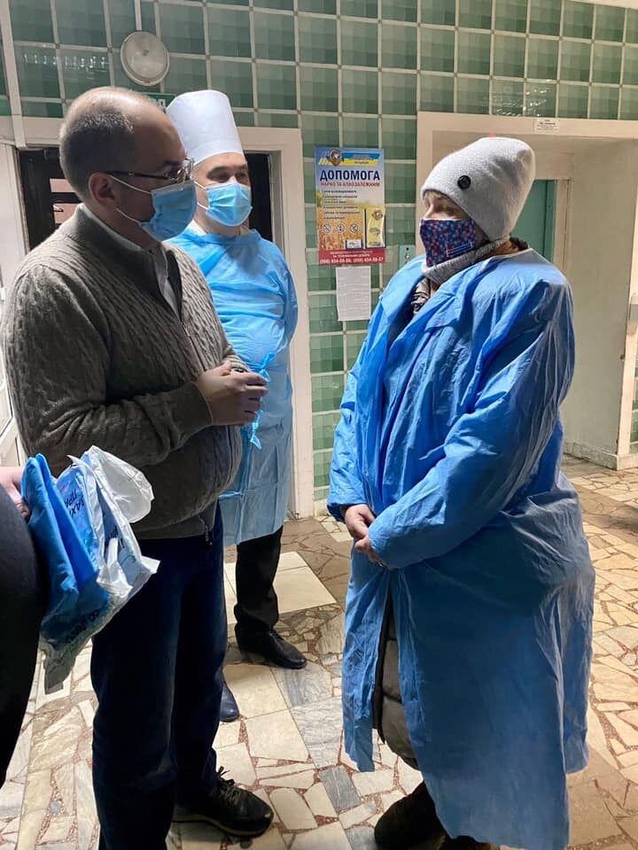 Министр пообщался с медперсоналом больниц