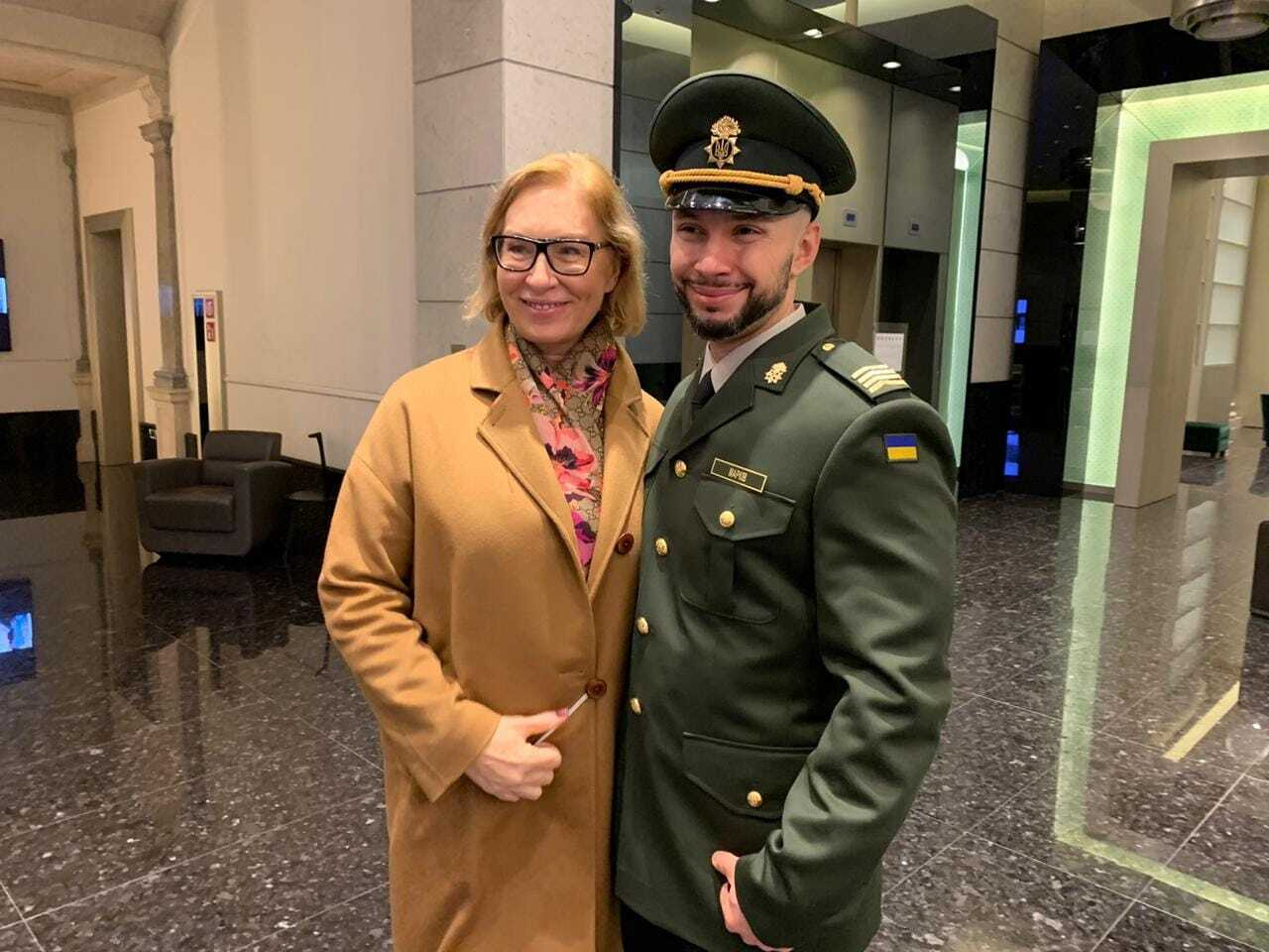 Денисова и Маркив перед отправлением из Италии в Украину