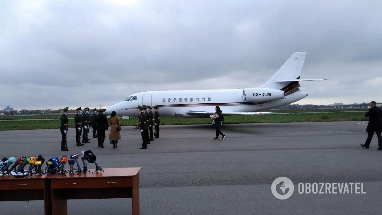Літак з Марківим.