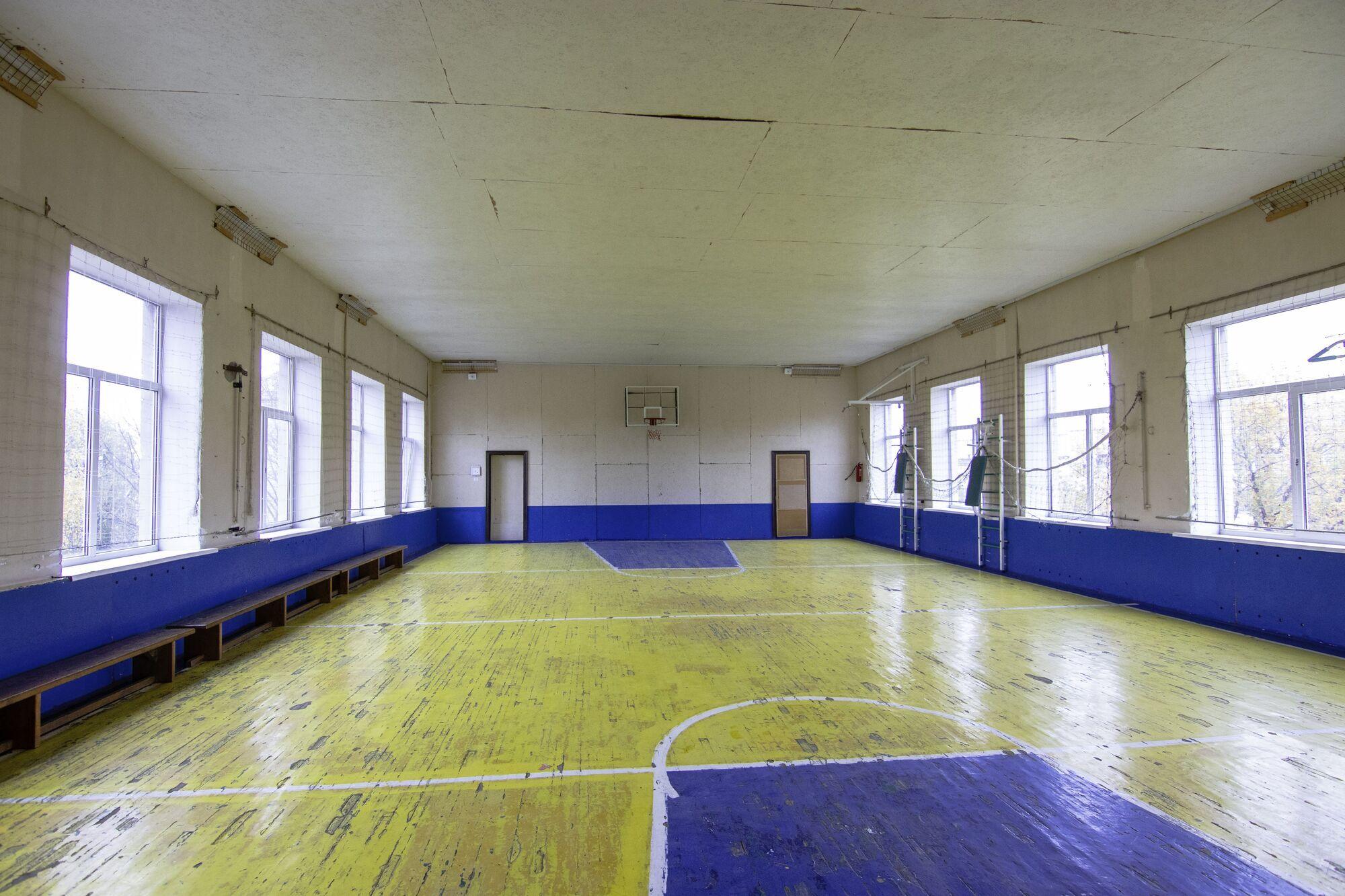Спортивний зал в школі №26