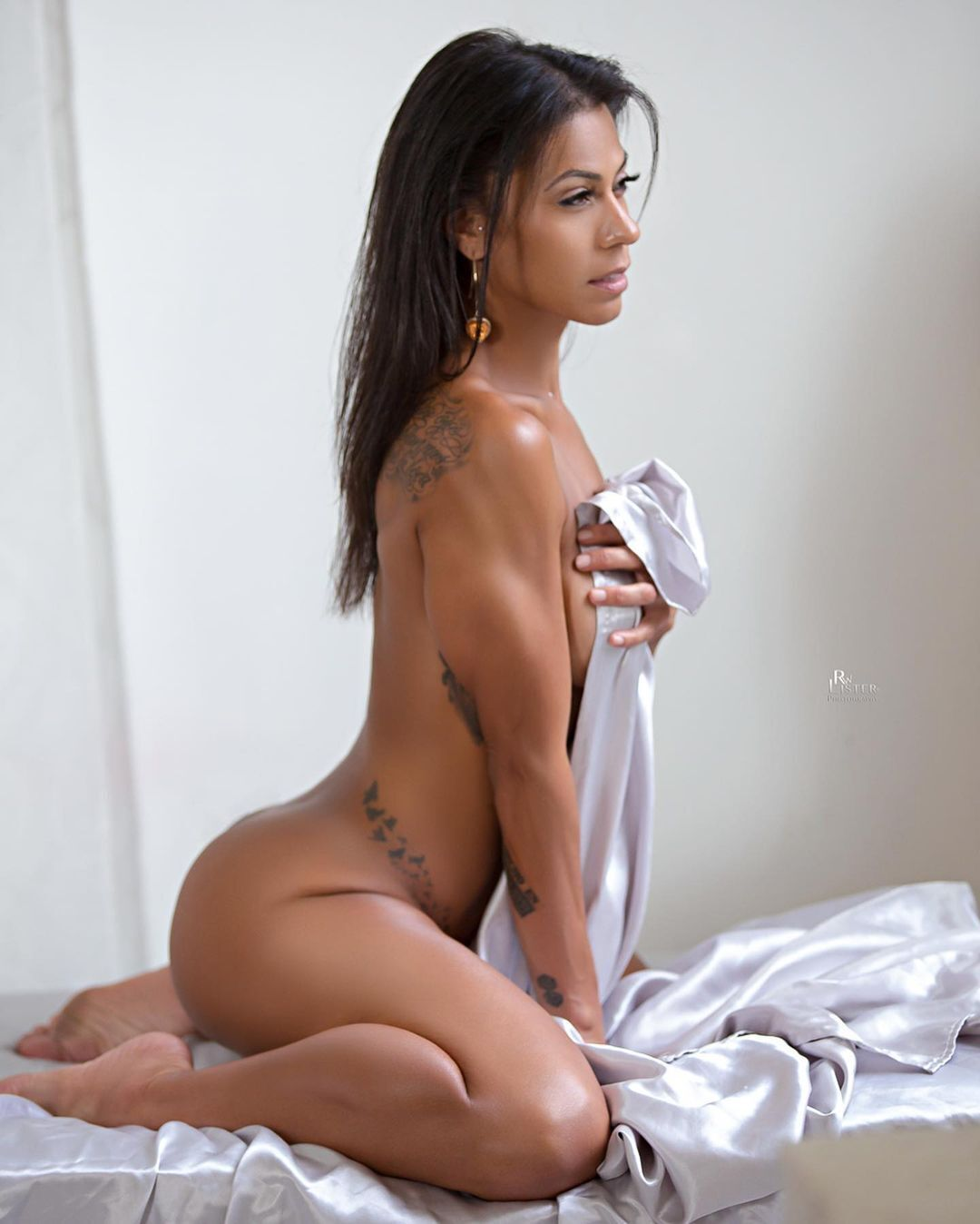 Жанетт Фелисиано продемонстрировала свое упругое тело