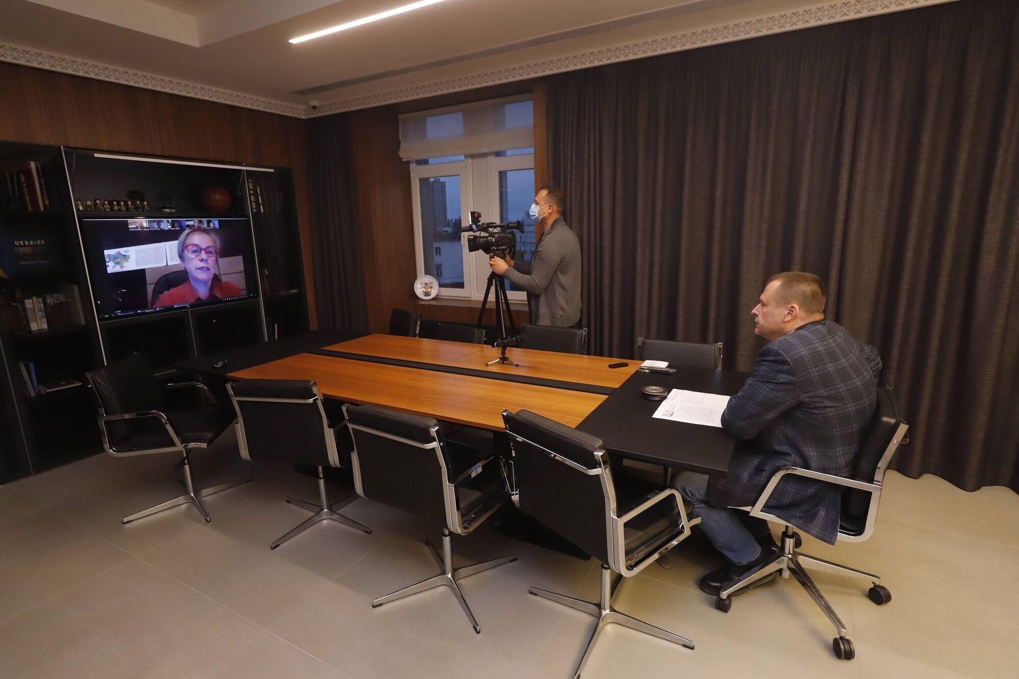 Мер Дніпра Борис Філатов під час zoom-конференції з пані Інгібьорг Сольрун Гісладоттір
