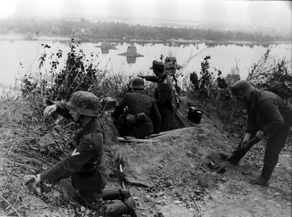 Пулеметная точка гитлеровцев на правом берегу Днепра
