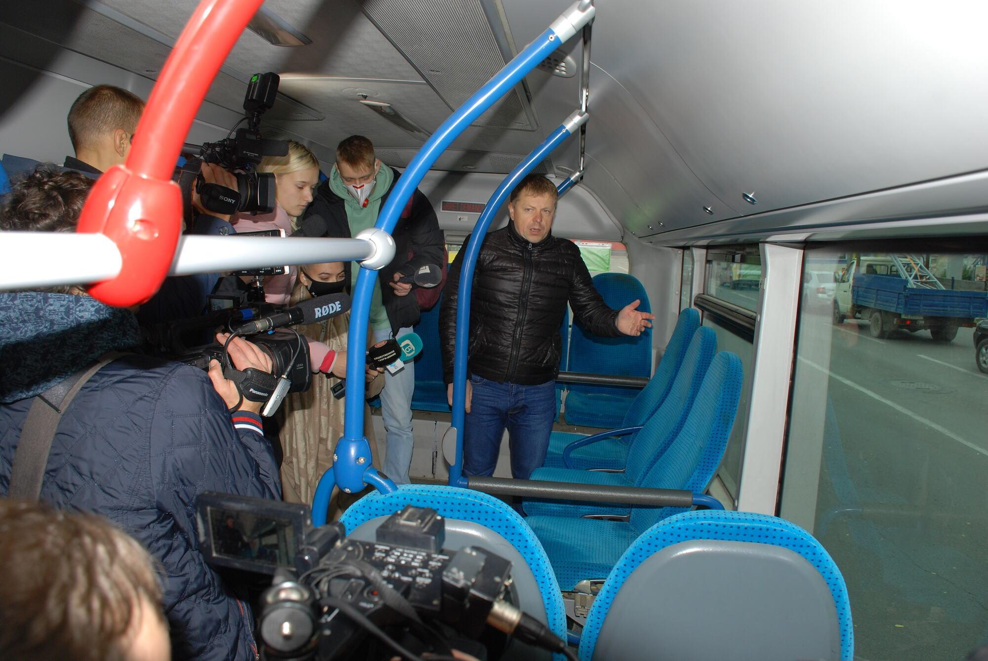 Представители мэрии осмотрели автобусы маршрутов №№ 43 и 22
