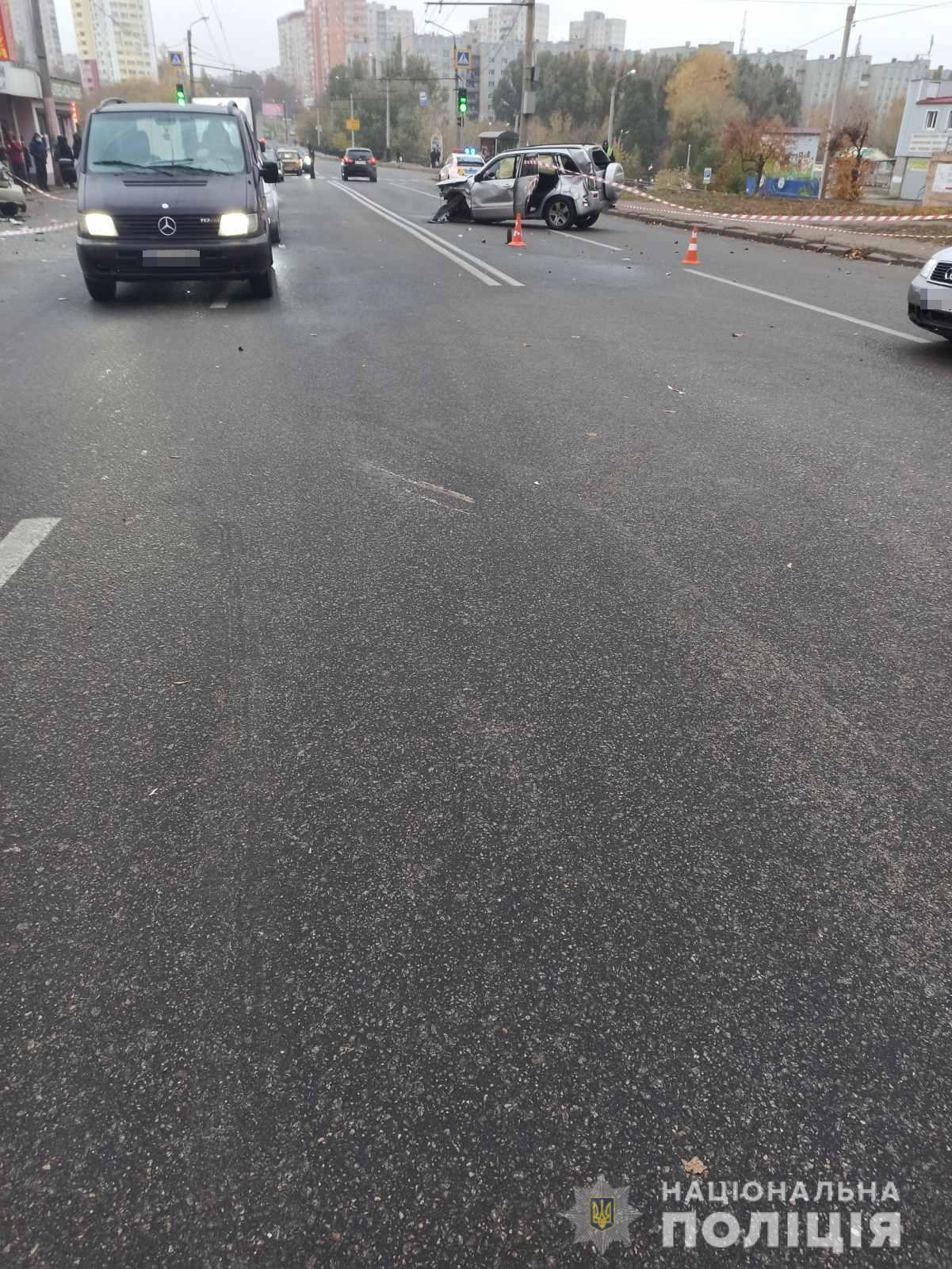 Водитель Suzuki Grand Vitara выезжал на главную дорогу